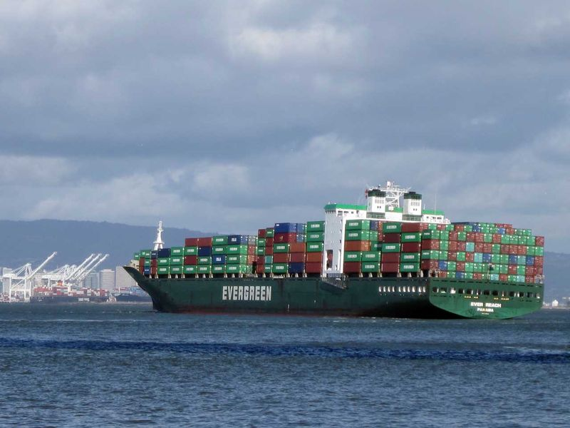 ContainerShip3
