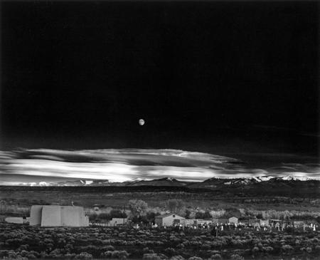 Moonrise,_Hernandez,_New_Mexico- wikipedia