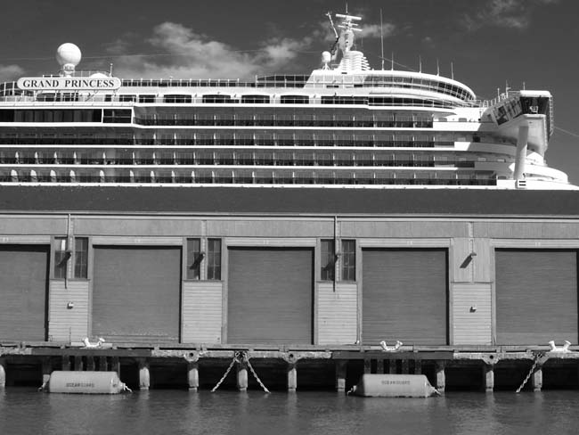 Grand Princess -©- photo by Max Clarke