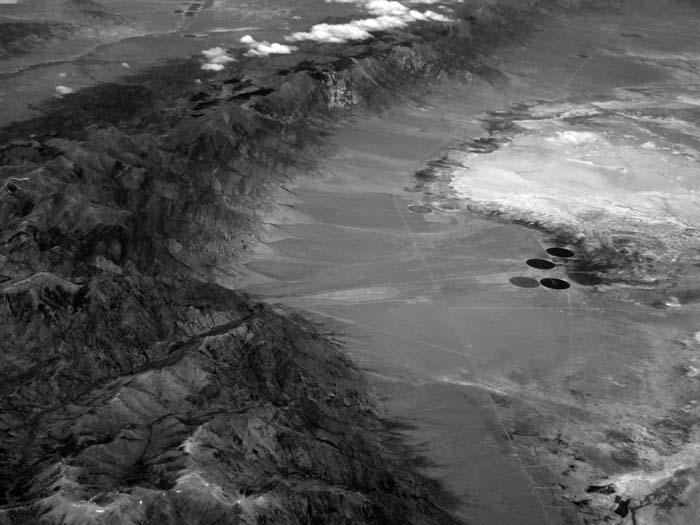 Nevada Mountain Range -©- Max Clarke