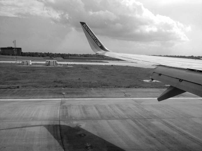Landing at STL -©- Max Clarke