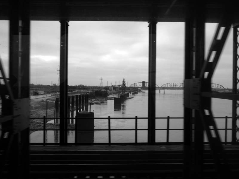 8 Mississippi River from Metrolink Train St Louis