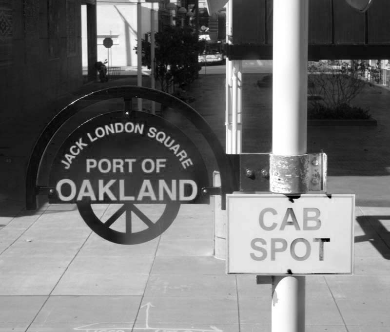 TAXI SPOT AT THE RAILROAD PLATFORM - bw one - max clarke